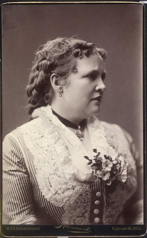 La poeta austriaca Ada Christen