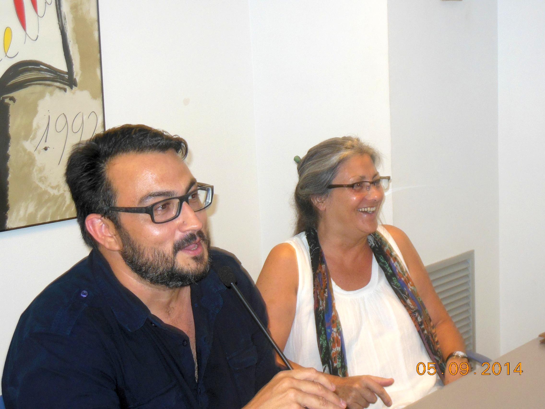 Anna Rossell con el poeta José Manuel Soriano Degracia. Tertulia del Laberinto de Ariadna, Ateneo Barcelonés, marzo, 2014