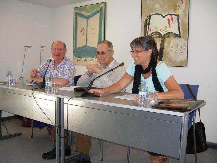 Anna Rossell con Miguel Reija (centro) y Felipe Sérvulo, Tertulia El Laberinto de Ariadna (Ateneo Barcelonés, 2011)