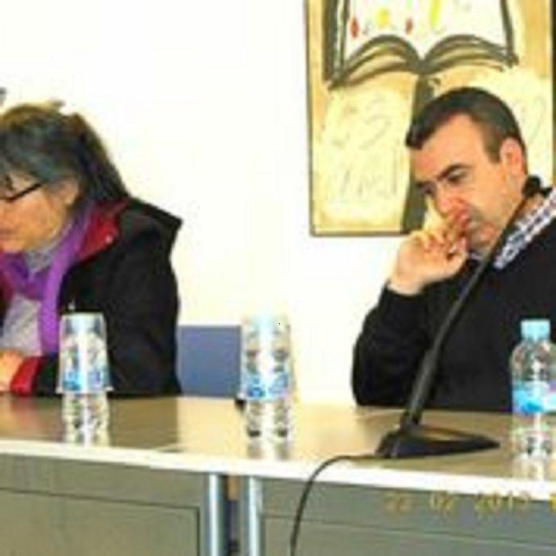 Anna Rossell con Lorenzo Silva. Tertulia del Laberinto de Ariadna, Ateneo Barcelonés, 2013